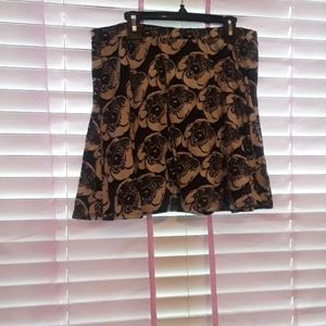 Wet Seal mini skirt size extra large black and whi